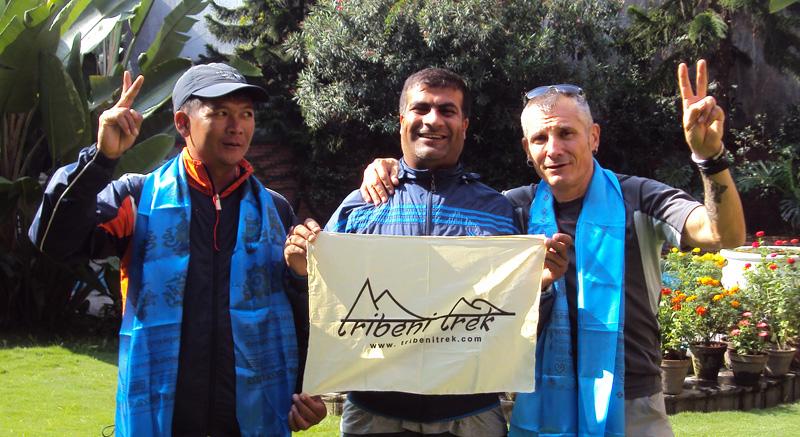 Drapeau Tribeni Trek pour la départ de l'expédition du Manaslu