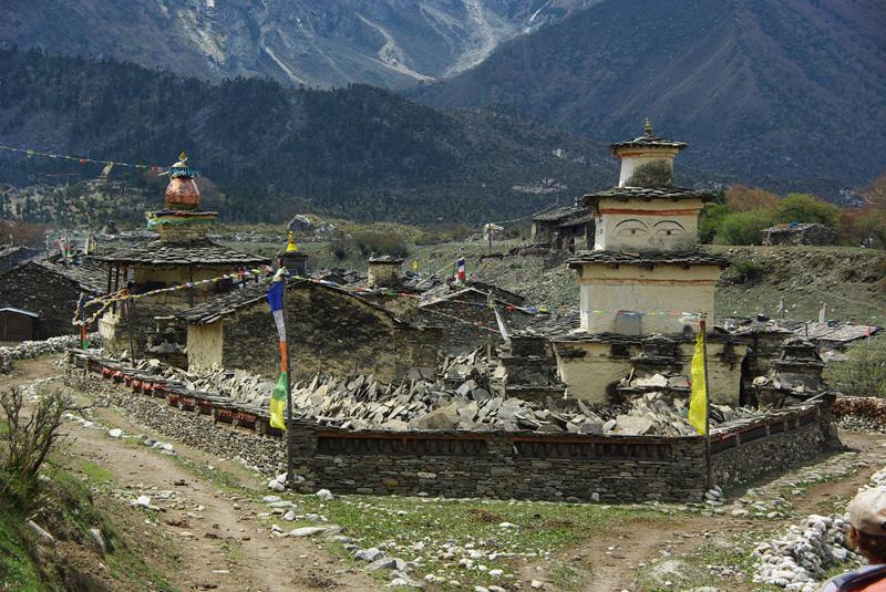 Stupa d'entrée du village de Samagaon.